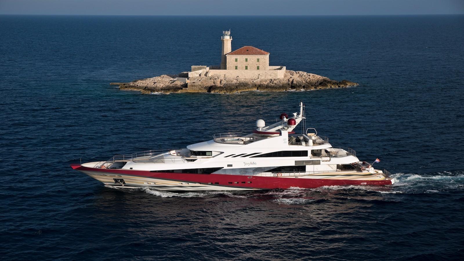 Mega Yacht Joy Me