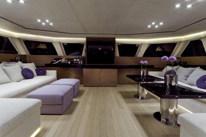 Catamaran Roleeno