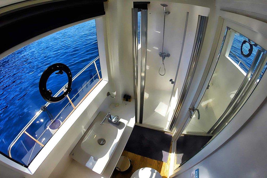 Motor Yacht Maske 3